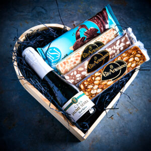Bubbles-and-chocolate-spanish-hamper